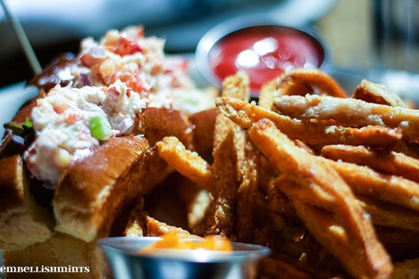 lobster-roll-in-chicago
