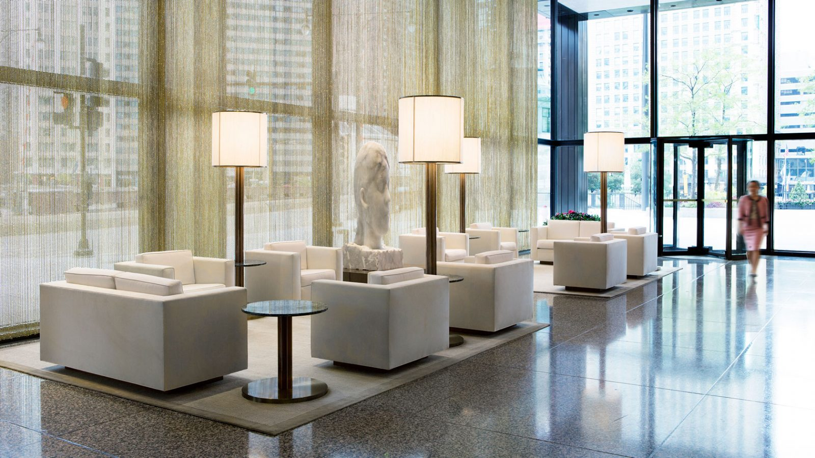 Chicago luxury hotel the langham embellishmints for Hotel decor chicago