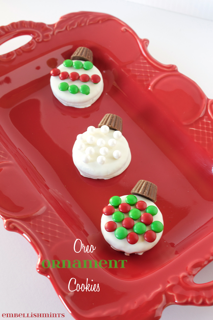 Oreo Ornament Cookies make the perfect Christmas Gift Idea that can be made in minutes. Great for children's Christmas parties. Your guests will love them. www.Embellishmints.com