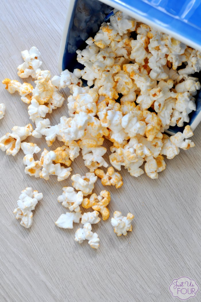 Taco Ranch Popcorn. The perfect recipe for date night, movie night or girls night! Find it on this week's linky party. www.Embellishmints.com