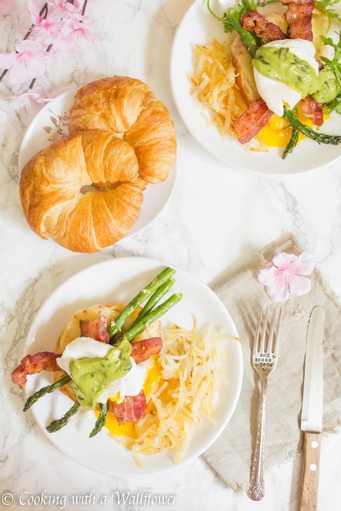 Mother's Day Brunch, Breakfast in bed, eggs Benedict breakfast.