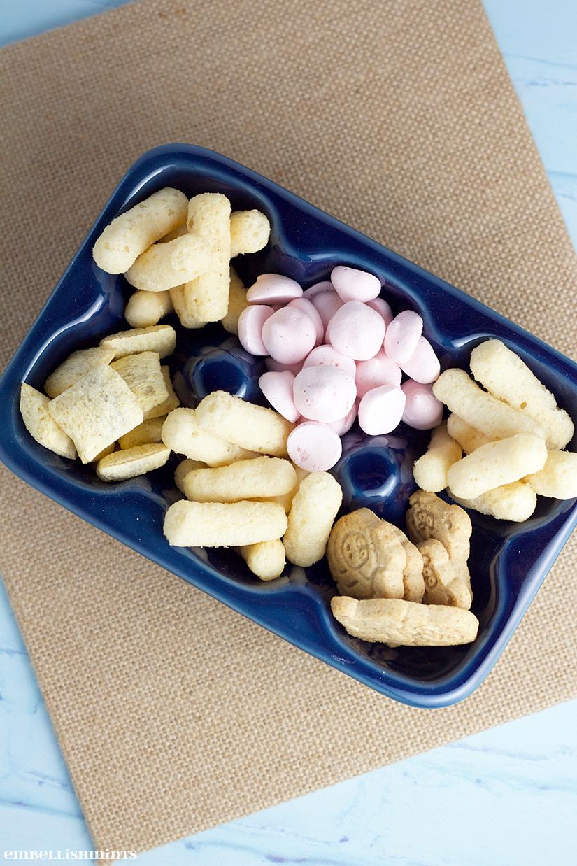 Snacks For Toddlers using Gerber's Lil' Beanies. Here's to a little DIY trail-mix for your picky toddler! Find out what you'll need on www.Embellishmints.com